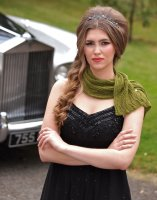 Lace scarf with button fastening - knitting pattern