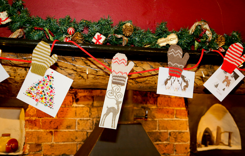 Festive Mittens Card Display Knitting Kit - Click Image to Close