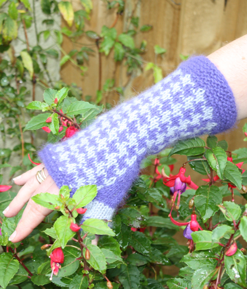 Houndstooth Check Fingerless Gloves Kit