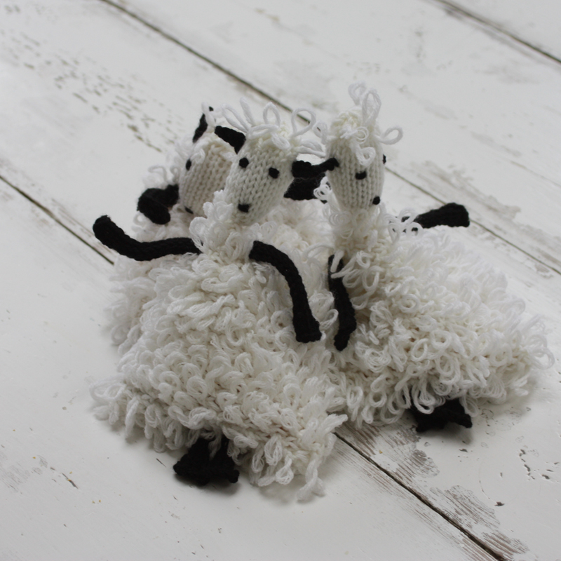 Juggling Sheep Knitting Kit