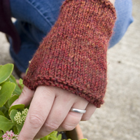 Raffaello Fingerless Mittens Kit
