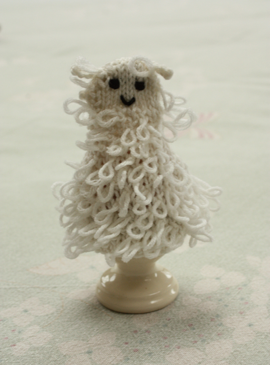 Sheep Egg Cosies Knitting Kit - Click Image to Close
