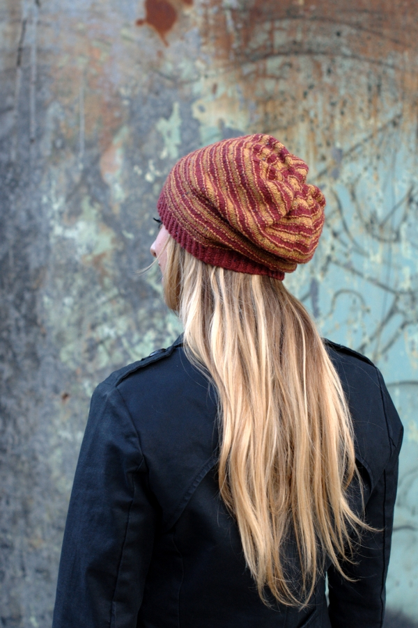Striato Slouchy Knitting Kit - Click Image to Close