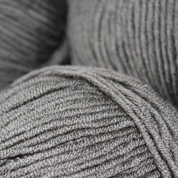 100% Extra Fine Merino Wool - black 50g - Click Image to Close