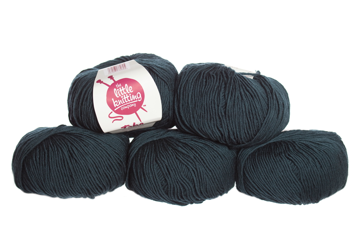 100% Extra Fine Merino Wool - black denim 50g