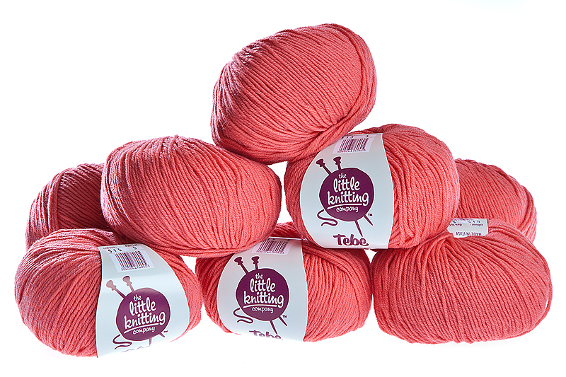 100% Extra Fine Merino Wool - bright coral 50g