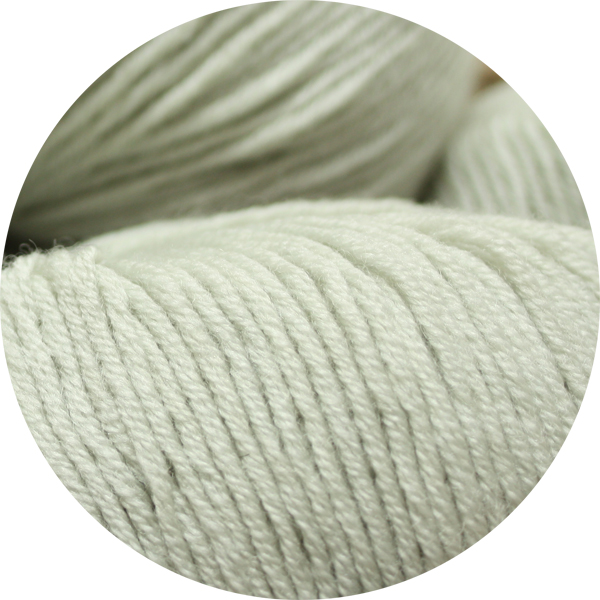 100% Extra Fine Merino Wool - pale pistachio 50g - Click Image to Close